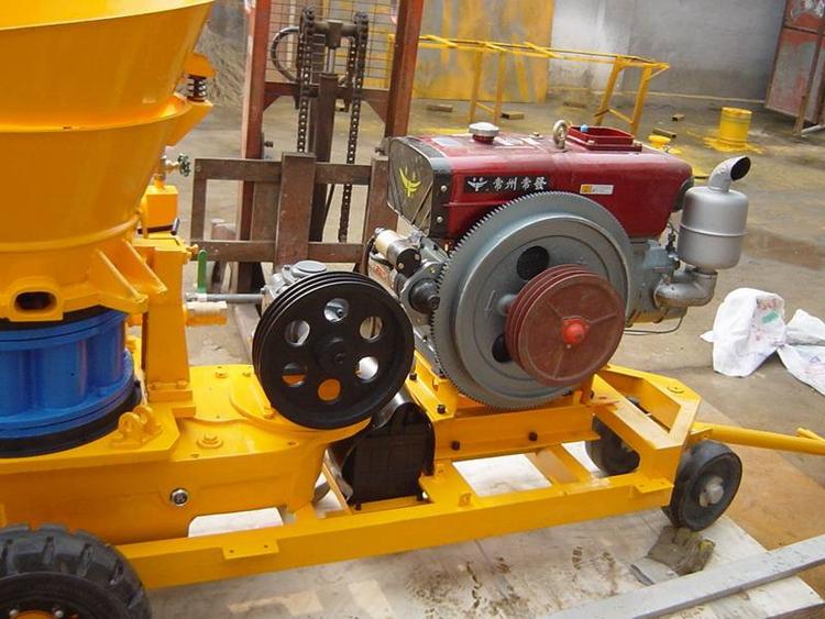 Diesel type concrete spray machine